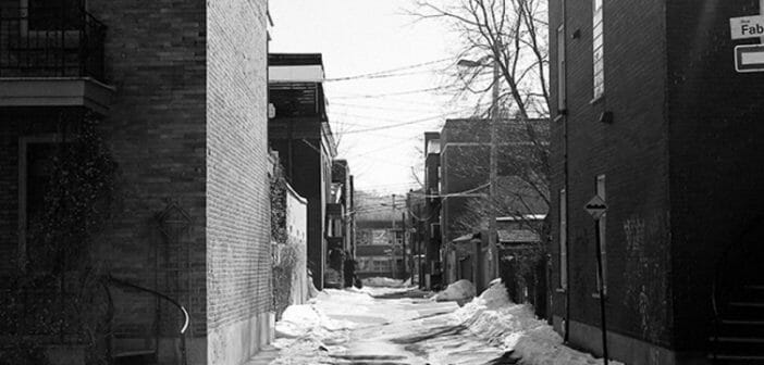 e-12_0006_2014_05_life-of-pix-free-stock-photo-bike-snow-montreal-city-street-fabre