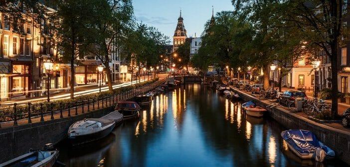 Aangeboden: Goedkoop appartement in centrum Amsterdam